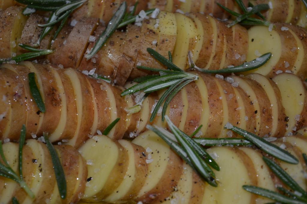 Kartoffelgratin mit Rosmarin und Zitrone