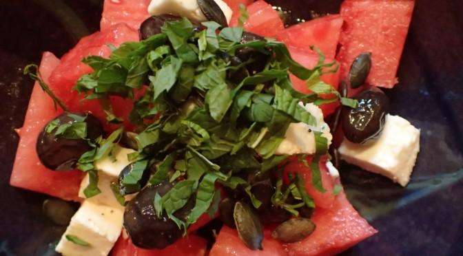 Wassermelonensalat mit Feta und frischer Minze