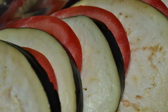 Auberginen- und Tomantenscheiben