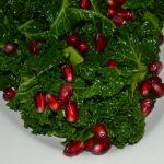 Grünkohlsalat mit Granatapfel