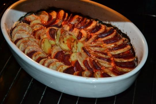 Kartoffelgratin mit roter Bete