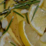 Zitronen und Rosmarin