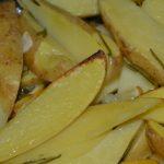 Ofenkartoffeln wenden