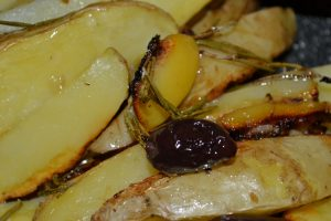 Ofenkartoffeln mit Oliven